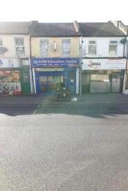 LARGE SHOP AVAILABLE TO RENT IN A PRIME LOCATION OF HOE STREET