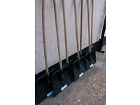 20 New - With Labels Snow Shovels - 1.2 Meter Solid Wood Handle - Joblot