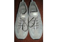Men's Clarks Trainers - size 9