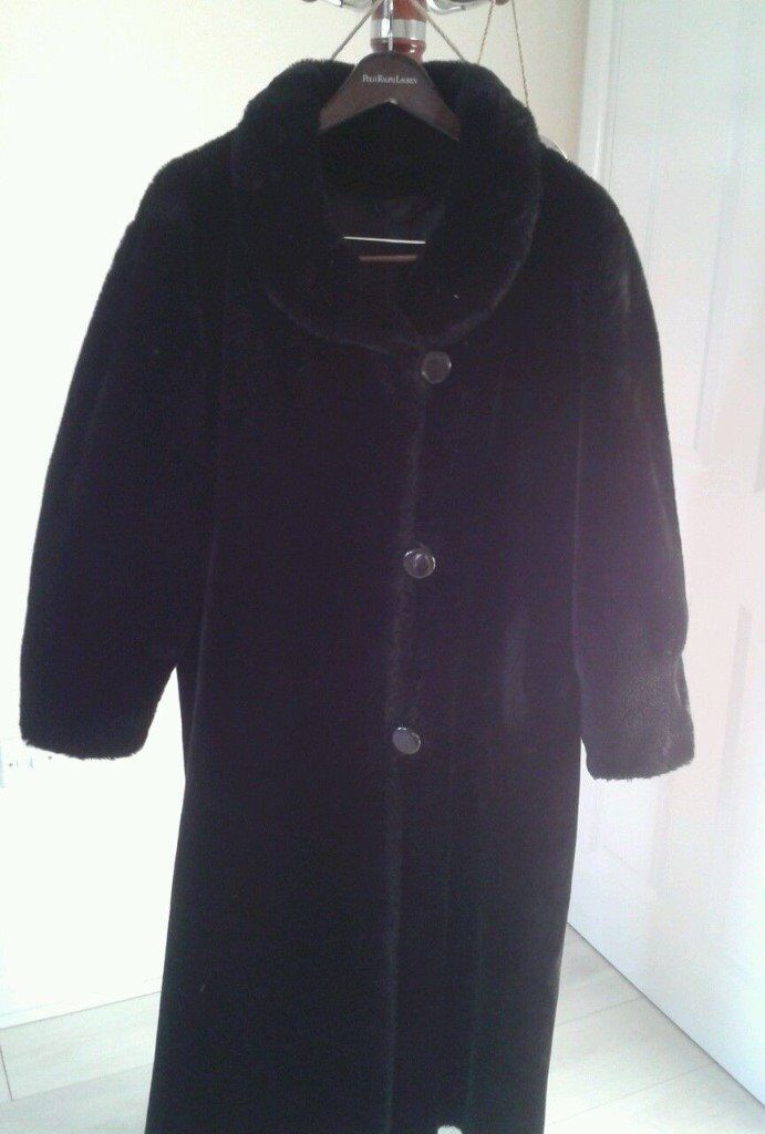 Black Coat Jean Louis de Paris Made in France superb condition