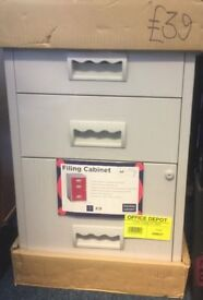 NEW 3 Drawer A4 Lockable Grey Filing Cabinet H67cm x W40 x D40