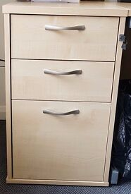 Lockable pedestal – 3 draws in very good condition