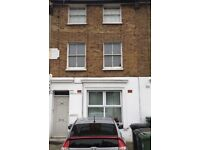 2 Bedroom Maisonette for immediate let, very close to train and shops
