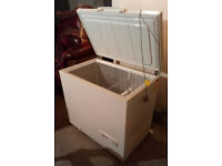 WHIRLPOOL LARGE 37 INCHES WIDE CHEST FREEZER GOOD WORKING ORDER CAN BE SEEN WORKING