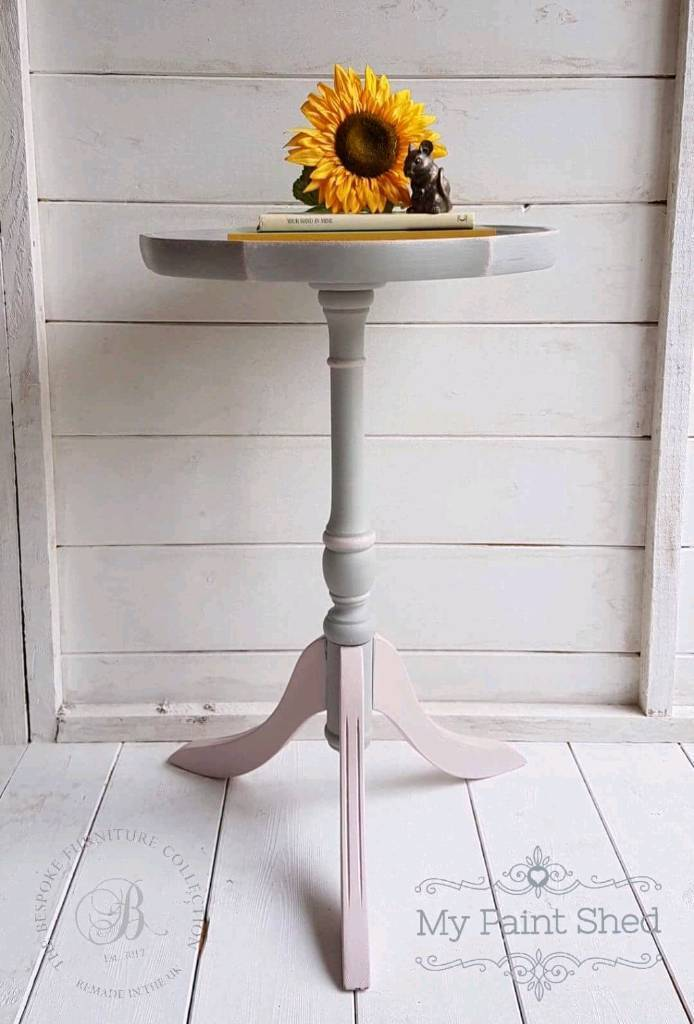 Small side table wine table