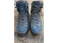 Scarpa Manta mountain boots, second-hand, size 45, in very good condition