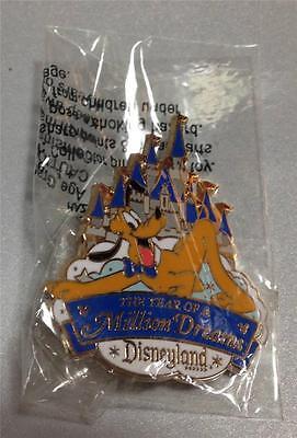 Rare Disney LE Costco Castle Year of a Million Dreams Pluto Pin UC:59535 NIP](Costco New Years)
