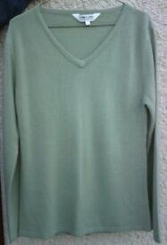 Women's Clothing Green V Neck Jumper NEW