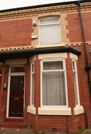 Large room to rent in shared house close to Manchester city centre £300pcm including some bills.