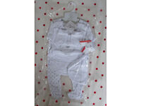 NEW Bebe Bonito 5 piece white/patterned baby girl or boy set. 100% cotton. 3-6 mths. £5 ovno.
