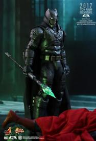 Hot toys BvS Armored Batman (battle damaged) exclusive