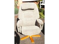 Recliner swivel chair very comfy armchair Avanti Relaxateeze excellent condition