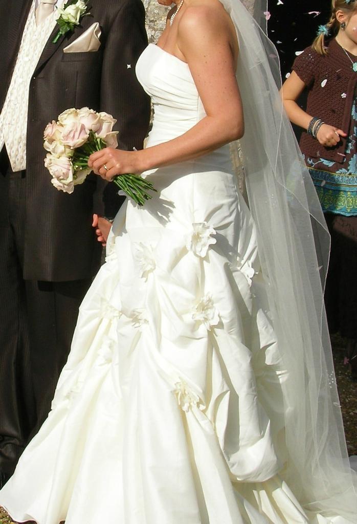 Maggie Sottero Fiorenza Wedding Dress *fabulous* Ivory 10-14 dry ...