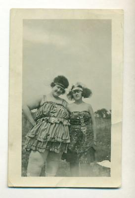 c1910 VINTAGE CANDID CIRCUS SNAPSHOT 2 FEMALE PERFORMERS in ZANY COSTUME OUTSIDE](Circus Performer Costume)