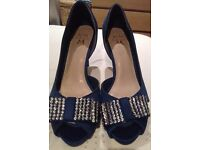 Gorgeous Miss KG shoes Size 6.5/7