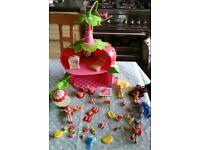 Strawberry Shortcake Doll House/Tea Shop