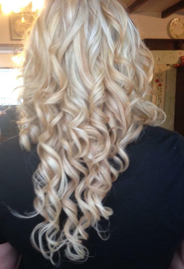 Golden Blonde Real Hair Extensions X6 Pieces Curled In Kiveton