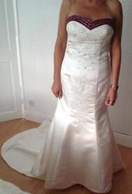 BRAND NEW BEAUTIFULLY DESIGNED ALFRED ANGELO STRAPLESS WEDDING DRESS
