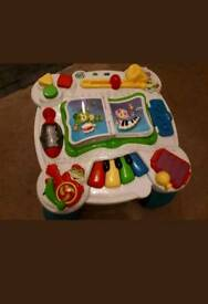 Leapfrog learn and groove musical activity table.