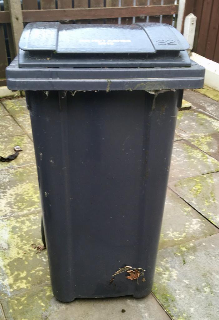 Black wheelie bin 240 litres