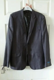 Men's blazer, colour grey, size 40 in long large , Butler and Webb , new with tag