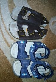SANDALS very good condition size 8 size BOYS