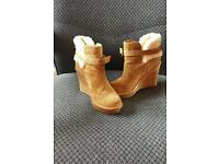 Never worn before ugg ankle boots