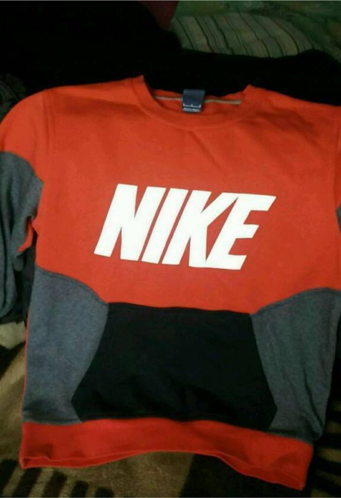 02aee695f0f8 Nike sweatshirt