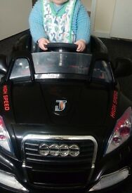 Kids electric audi used once outside excellent condition £40 no offers
