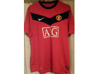 Manchester United Football Shirt _Size L _by Nike. 2009-2010