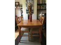 DINING TABLE + 4 CHAIRS (extendable)