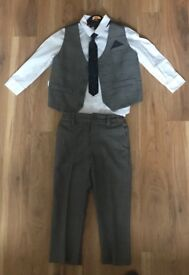 Age 2-3 boys 4 piece outfit