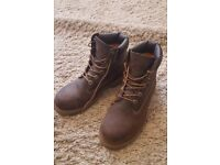 Ladies Brown Timberland Premium Walking Boots, size 5.5 – excellent condition, hardly worn