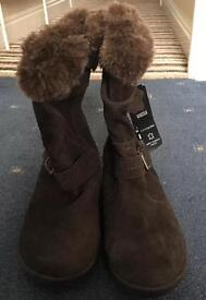 Marks and Spencer Ladies Brown FOOTGLOVE boots (size 7) - Brand New (SOLD)