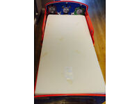 Thomas and Friends toddler bed VGC bleu/red