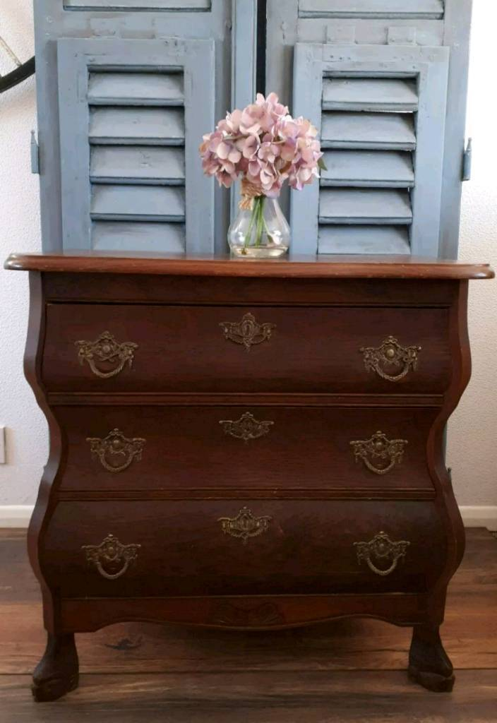 French Provincial Gorgeous Oak Louis Style Bombe Solid Heavy