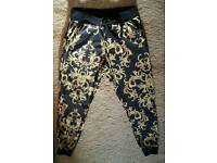 Patterend trousers