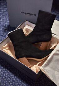 Brand New Vagabond Black Suede boot/ UK Size 5 (38)