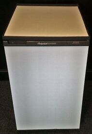 HOTPOINT USED FRIDGE WITH FREEZER COMPARTMENT+ FREE BH ONLY POSTCODES DELIVERY & 3 MONTHS GUARANTEE