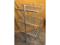 Lakeland 'Drysoon' Heated Clothes Airer/Dryer Model 21736. VGC.