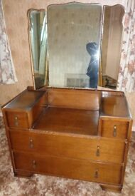 DRESSING TABLE with mirrors and two large drawers and two small