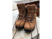 Brasher Women's Country Walking Boots (Size 6) in pristine condition (cost £120 new)