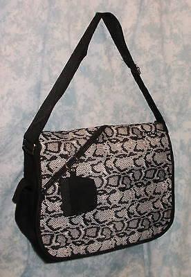 Black & White Python Snake Skin Snakeskin Look Canvas Messenger Bag  ()