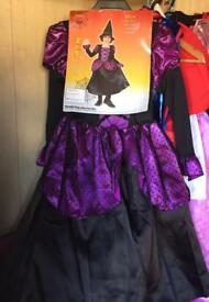 Halloween witches costume 7-10 closer to 6-8