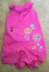 Lots of lovely baby girl clothes 3 mths-12mths at very Good condition (no pet home)