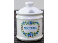 A lovely vintage mustard ceramic pot