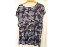BRAND NEW KLASS XXL BLUE SHORT SLEEVED SILKY TOP.