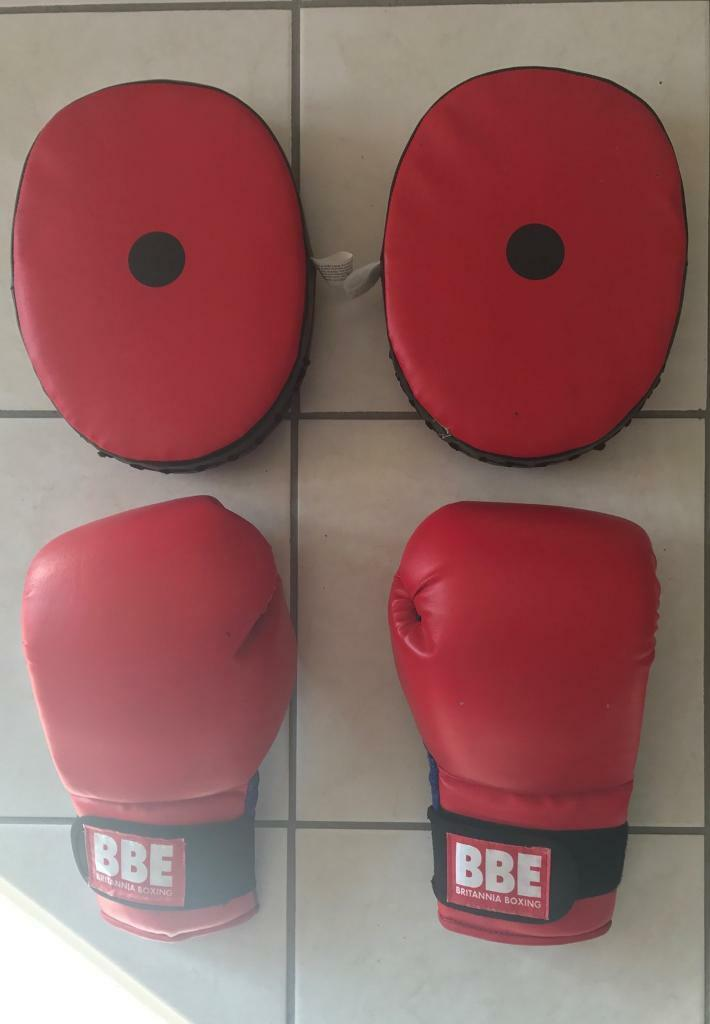 BBE Boxing pads & Gloves