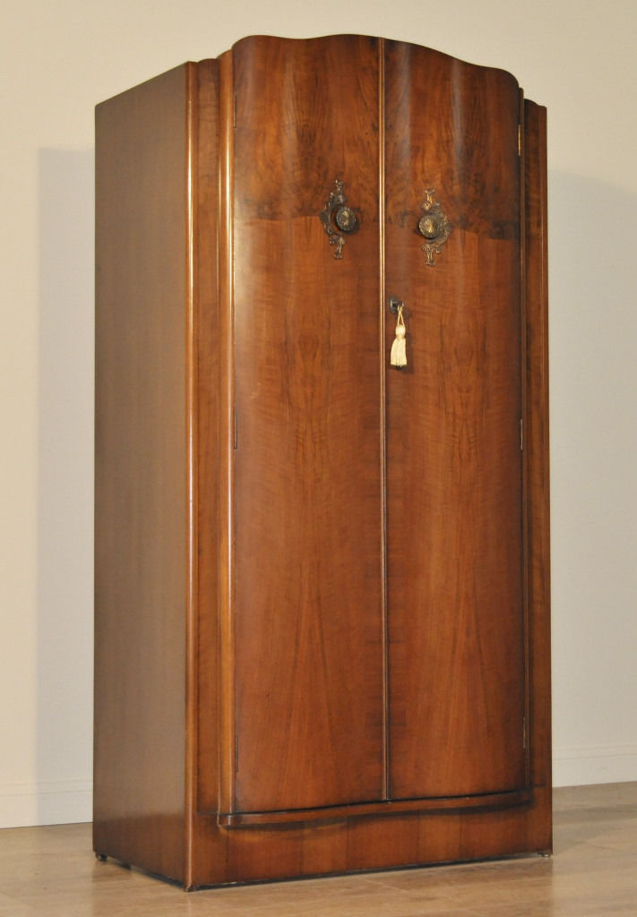 Attractive Neatly Sized Vintage Art Deco Walnut Double