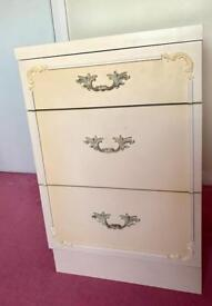 Tall chest of drawers and bed side chest of drawers